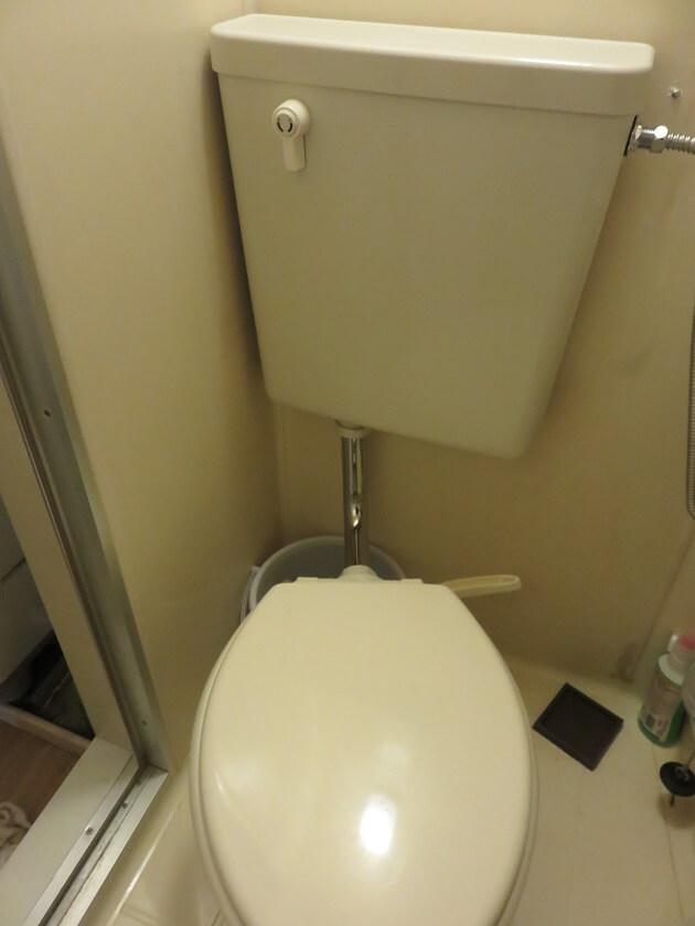 トイレタンクを交換