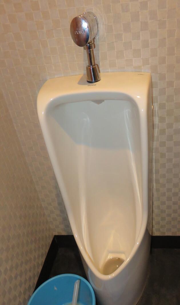 男性用小便器トイレ