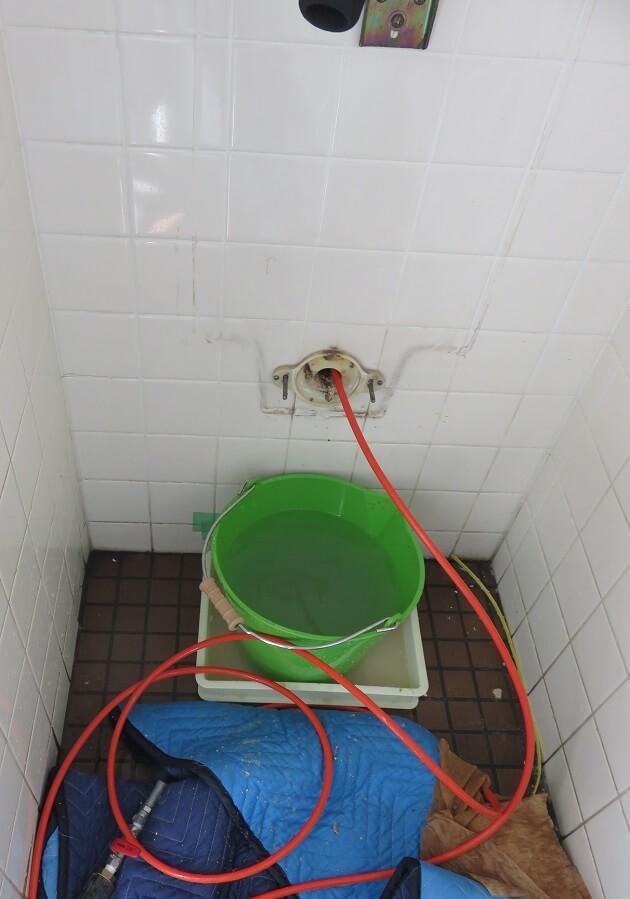 小便器高圧洗浄