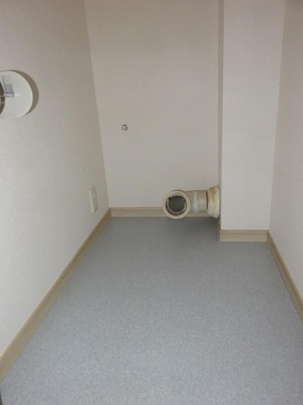 トイレのクロス張り替え