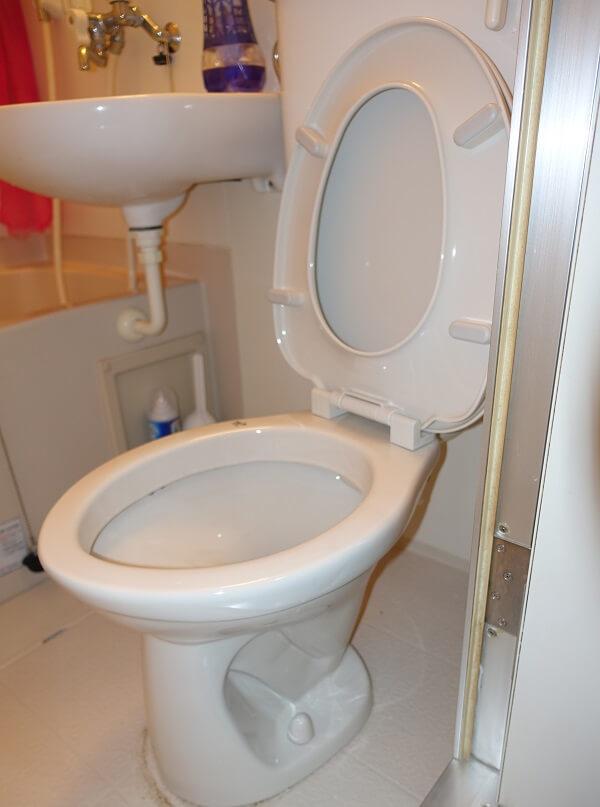 トイレ風呂一緒の便器
