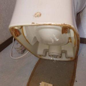 検尿カップ便器取り外し