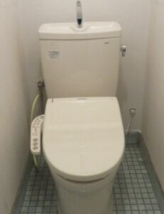 水漏れするトイレ